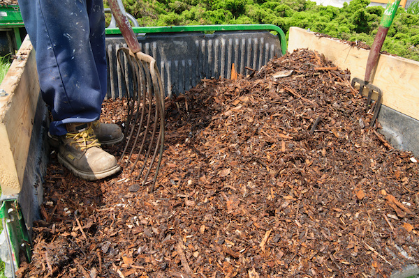 Mulch-Woodchip-and-Topsoil-Delivery